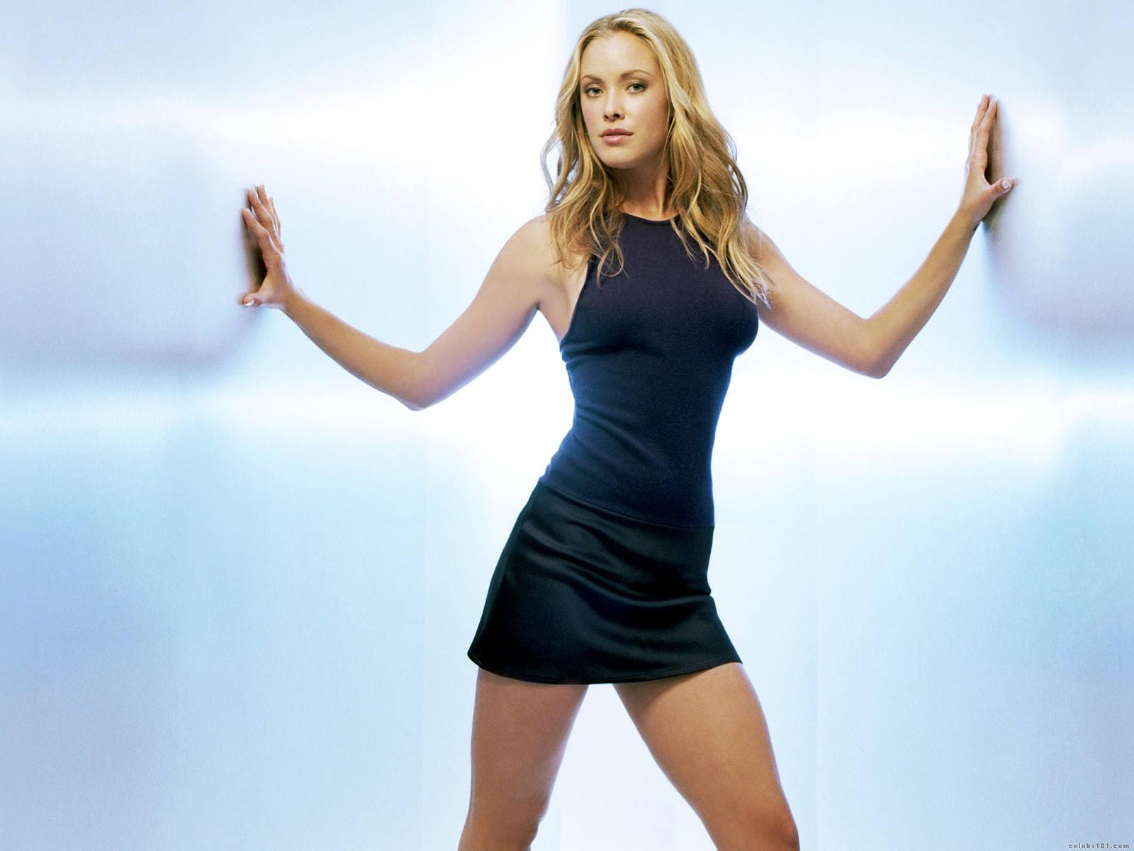 Kristanna Loken Wallpapers moreover Watch furthermore Watch in addition Ktm Duke 790 Eicma 2017 2018 10957 additionally 191678604800. on bmw s1000rr black