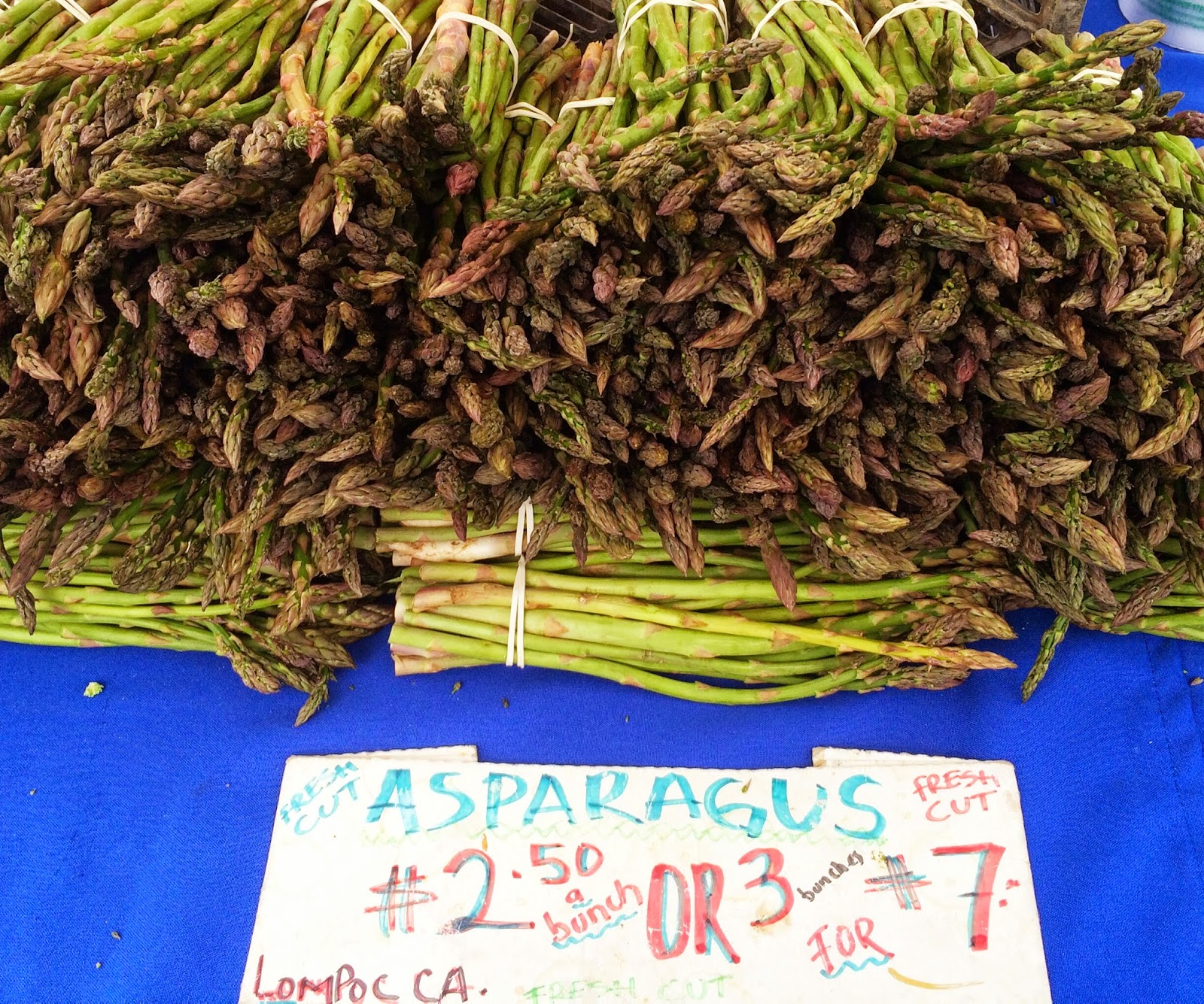 Picture of Asparagus at the Farmers Market, Dinner Ideas Seasonal