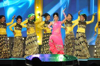 shriya stage dance at mirchi music ads(6).JPG