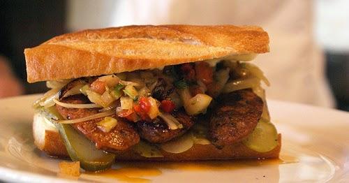 street food cuisine du monde recette de sandwich choripan saucisse pain sauce argentine. Black Bedroom Furniture Sets. Home Design Ideas