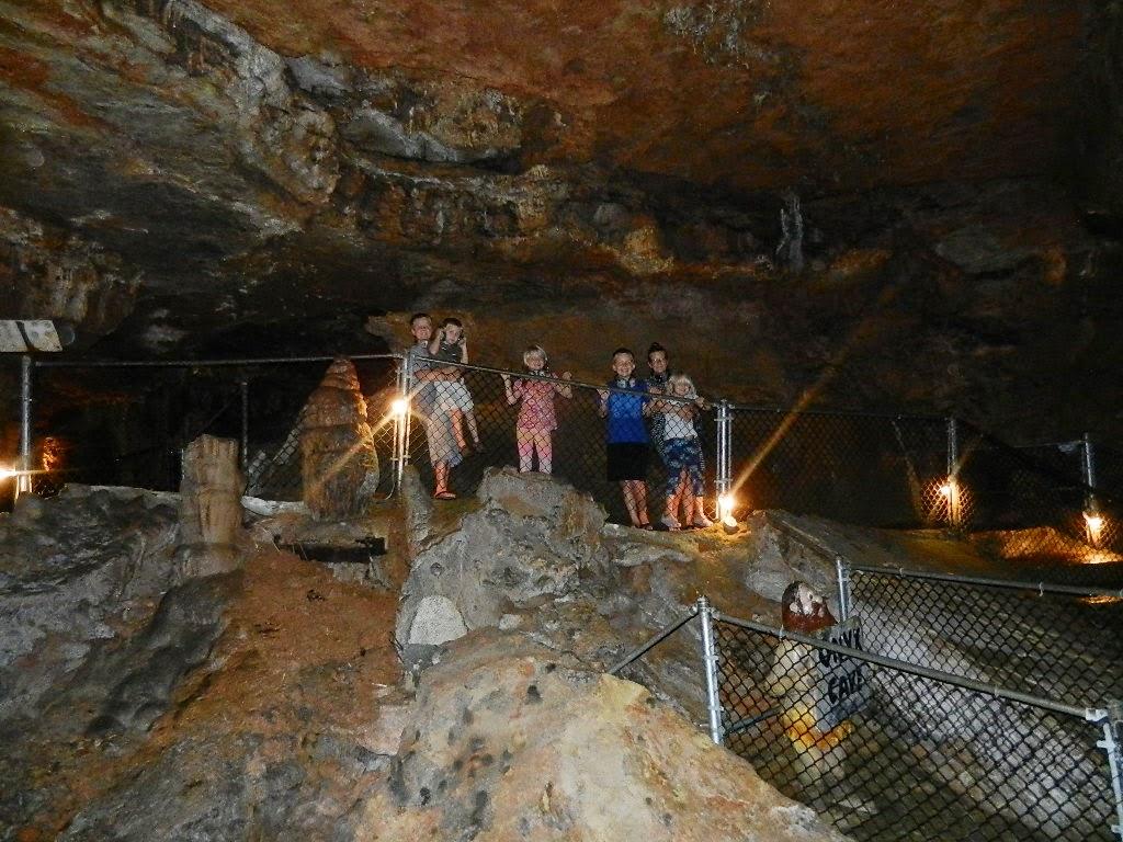 image of onyx cave in eureka springs, arkansas