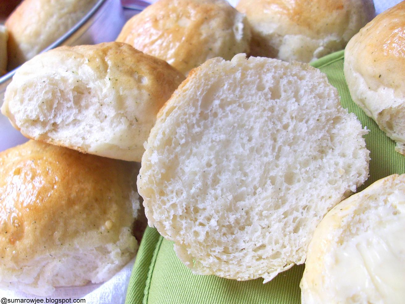 Cakes And More!: Herbed Potato Rolls
