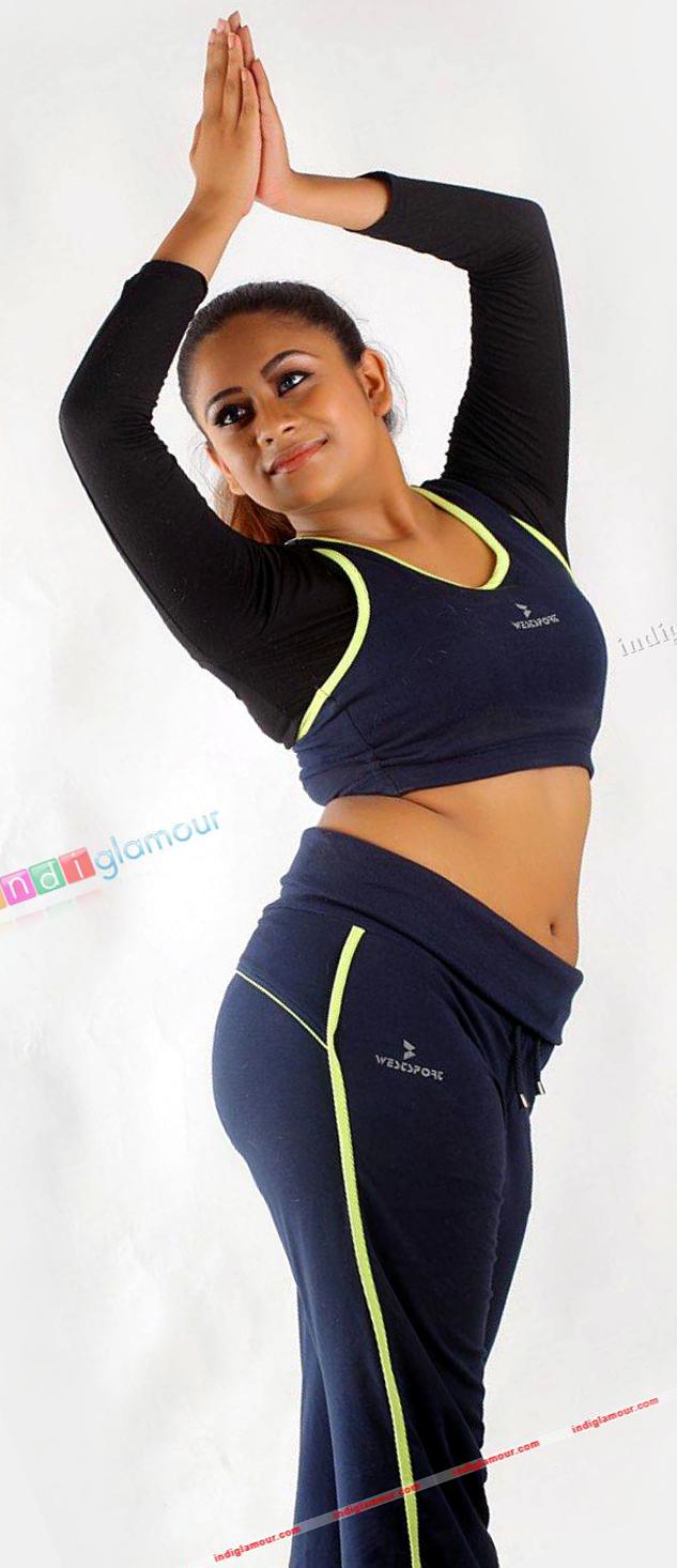 Mallu actress Priyalal hot navel show photos. Priyalal hot photos in ...
