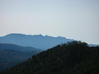 vue sur le massif de Cagna depuis les crêtes ouest d'Aullène en Alta Rocca