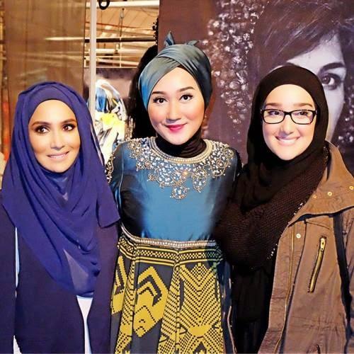 21 Foto dan Biodata Lengkap Dian Pelangi, Desainer Muslim Fashion Terbaik Indonesia