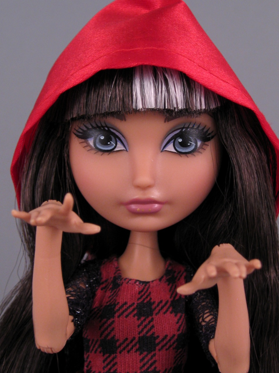 Ever After High Cerise Hood