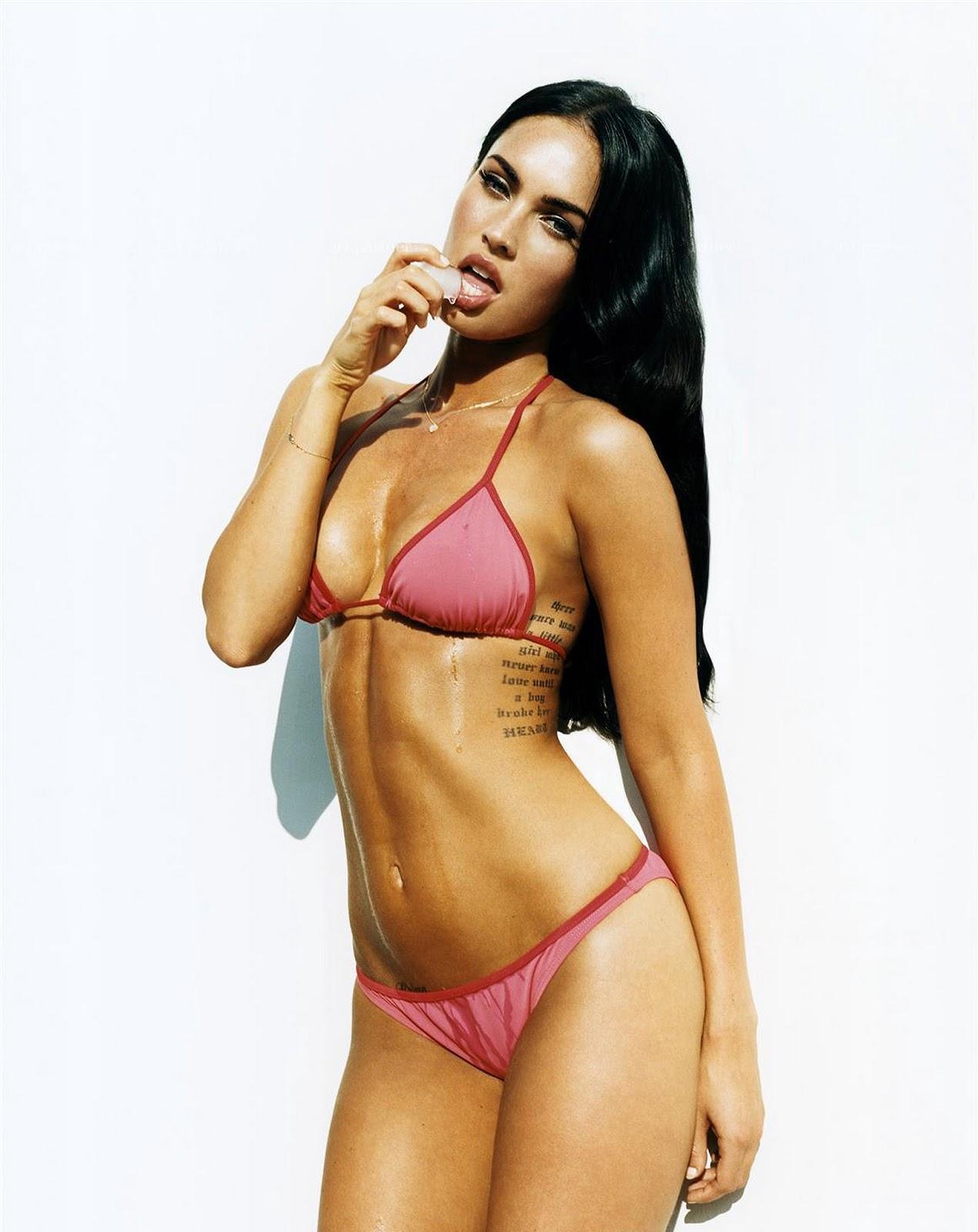 Sexy latina deepthroating cock