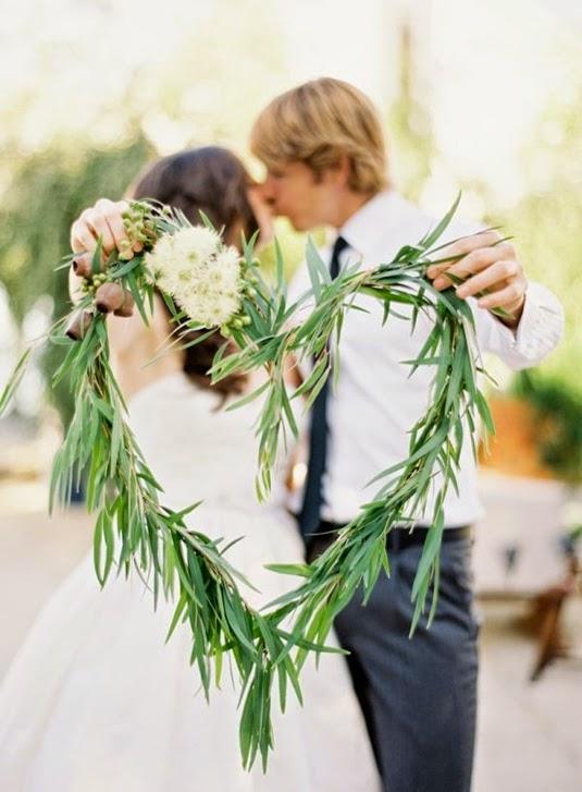 blomsterhjärta bröllopsfoto, floral heart wedding photo