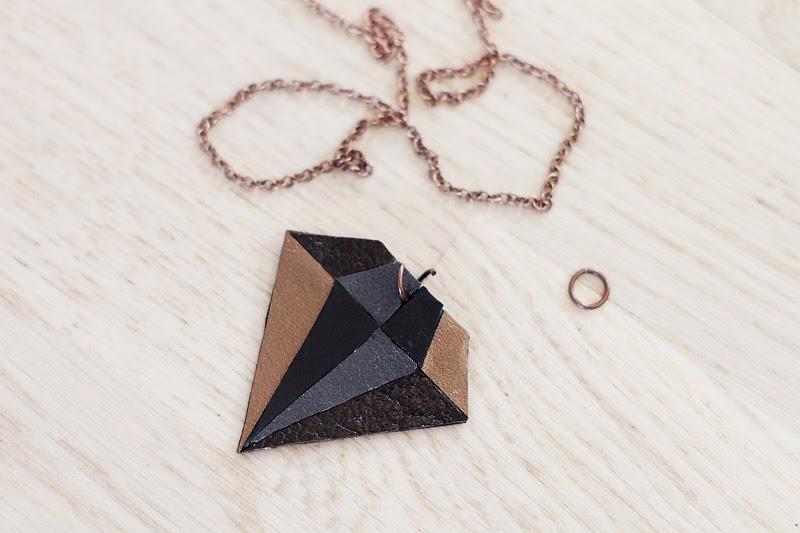 an-magritt: DIY- Leather diamond