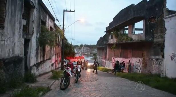http://www.blogdofelipeandrade.com.br/2016/01/mulher-raptada-em-goiana-e-abandonada.html