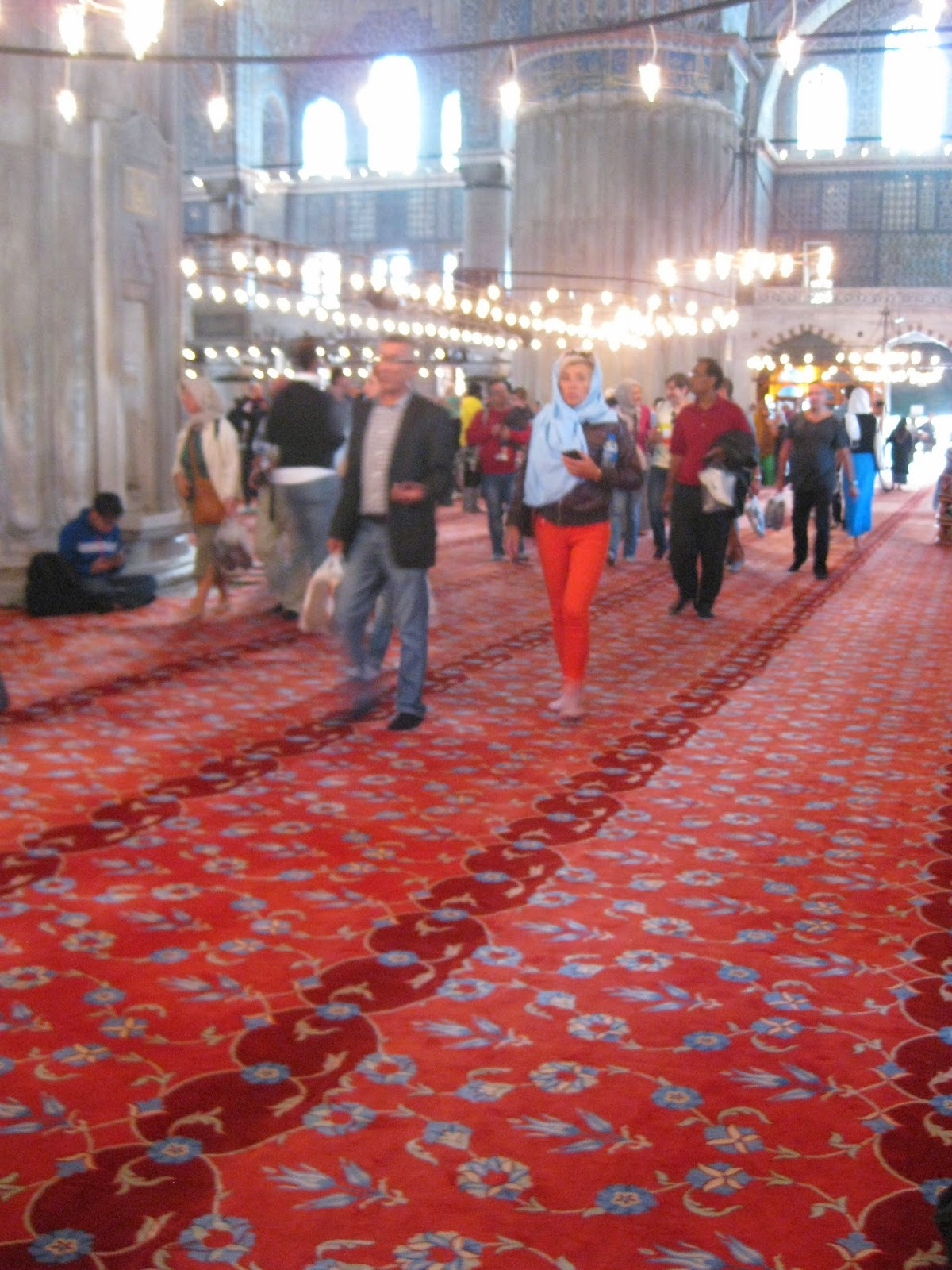 Istanbul - The carpet inside is colorful and very comfortable