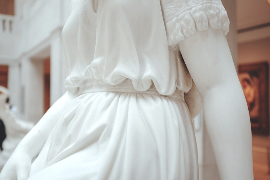 Art Institute of Chicago Marble Statue - Mini Penny Blog