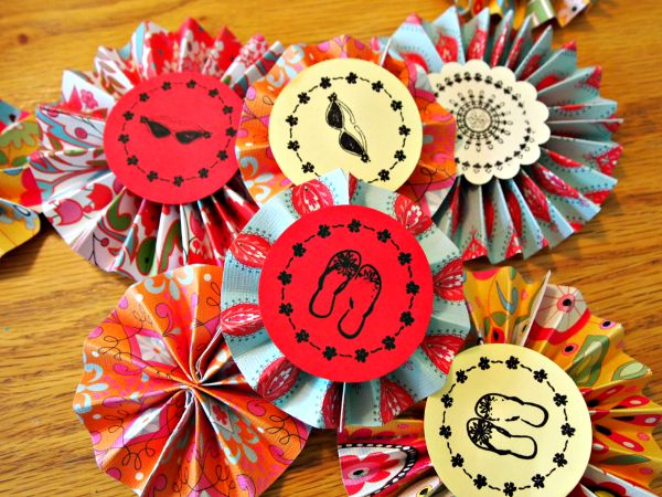 Making paper medallions with PSA Essentials Stamps.