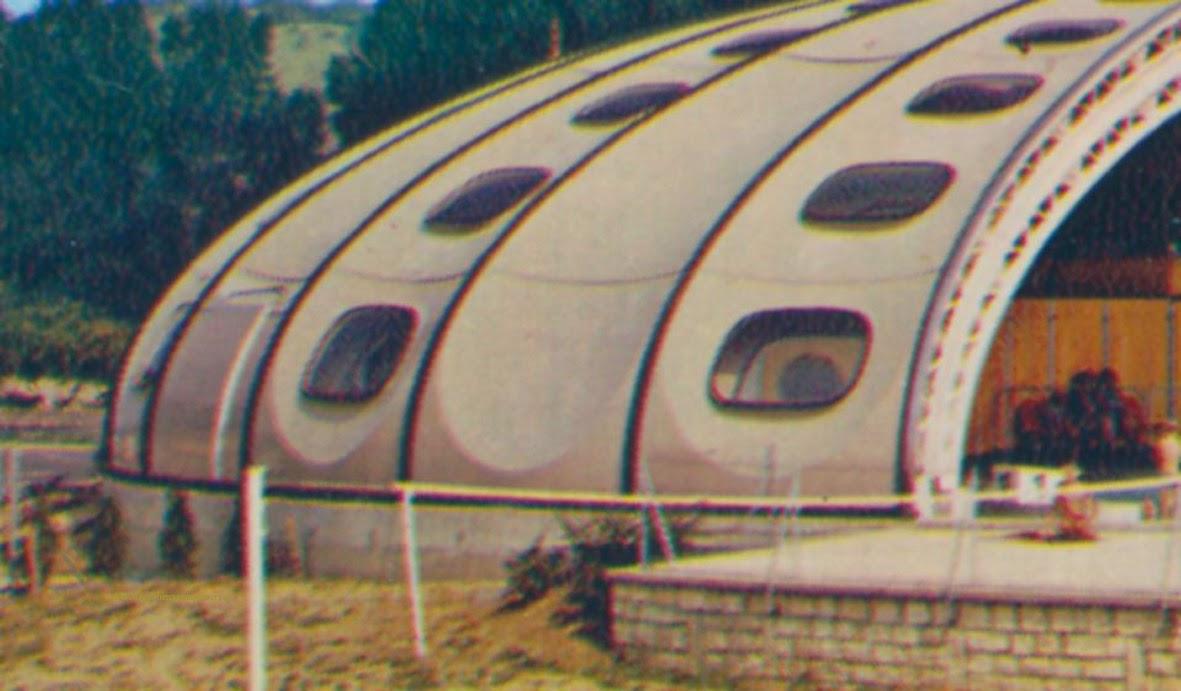 Architectures de cartes postales 2 les mateuses et les for Piscine chauvigny