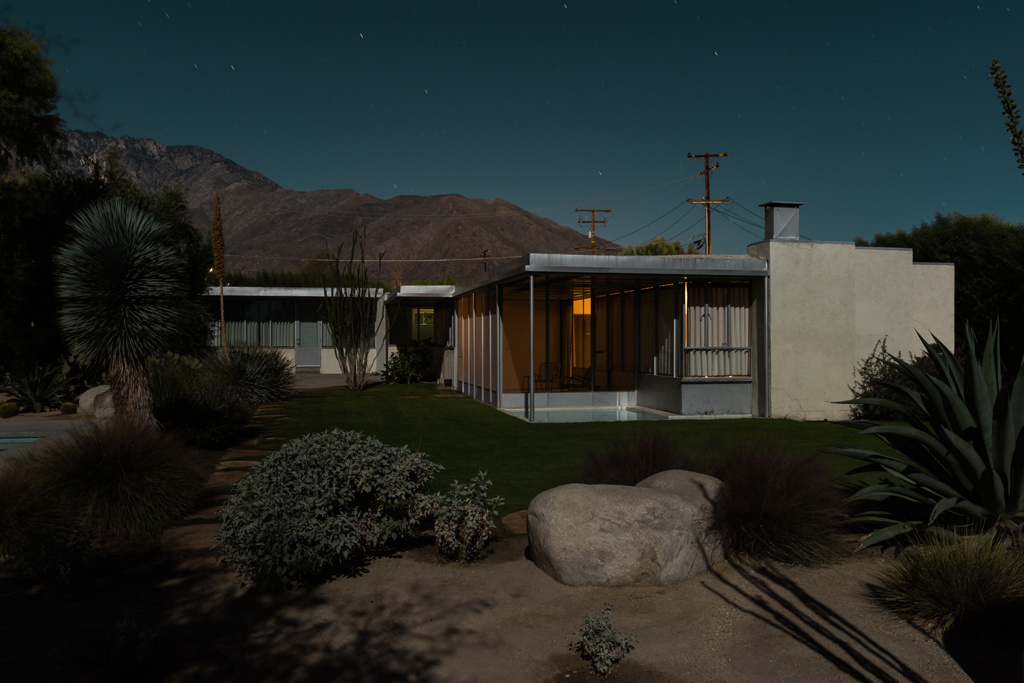 Midnight Modern architecture photography by Tom Blachford at Palm Spring Modernism Week
