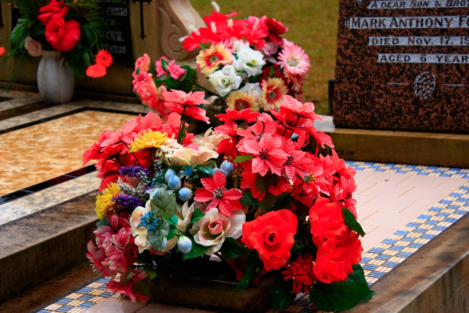 Sydney Eye Taphophile Tragics 3 Saying It With Flowers