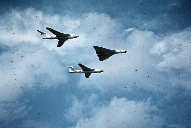 Www Paintings Of Red Arrows And Vulcans