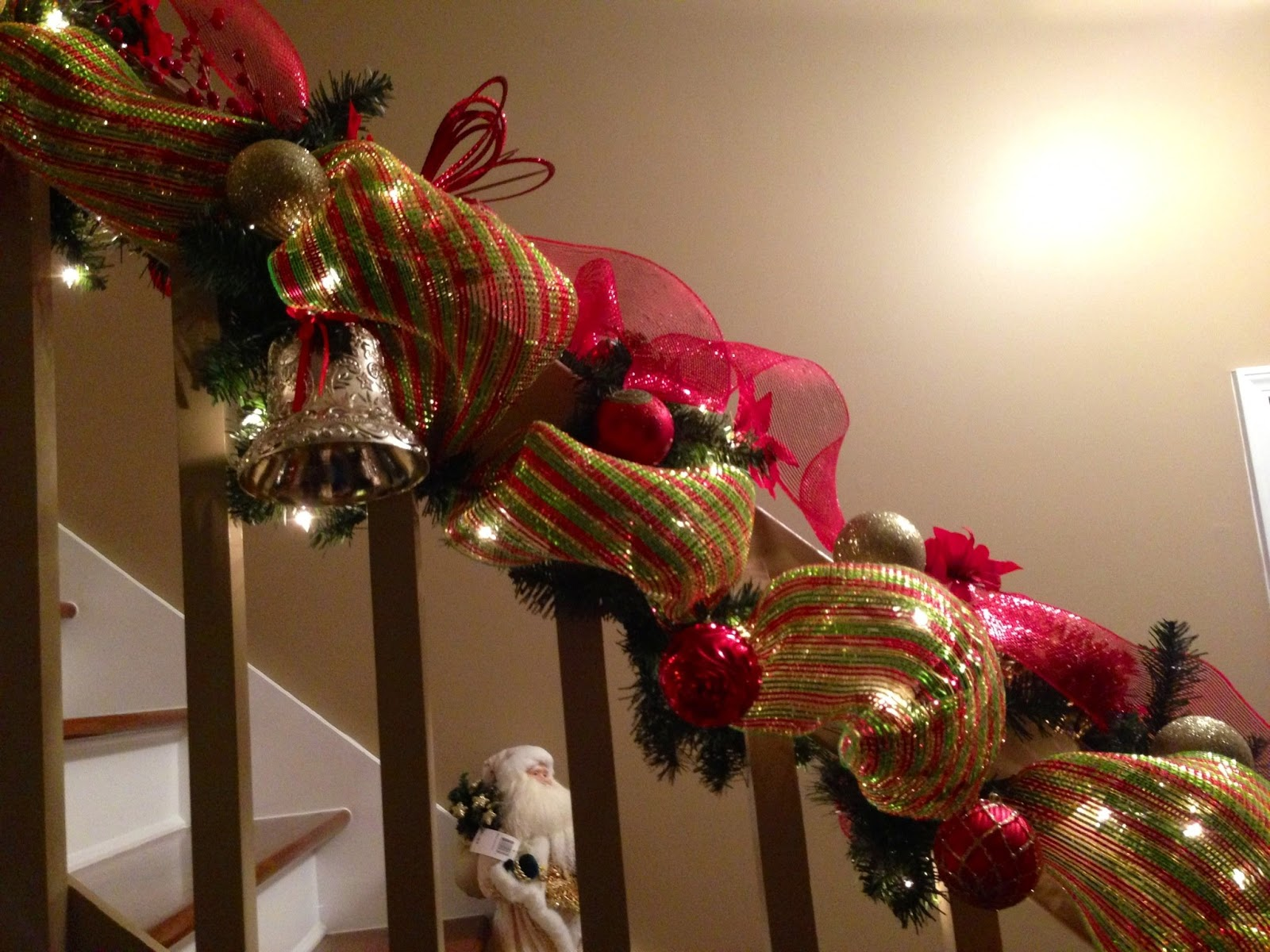 Banister christmas decorations 28 images decorate your for How to decorate a banister