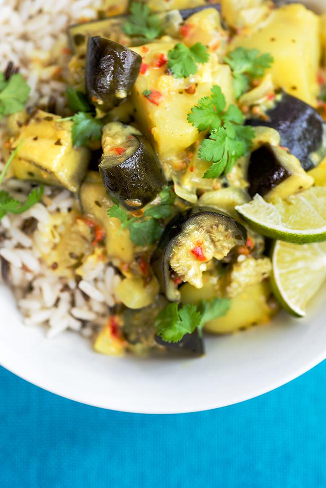 Vegan potato and eggplant curry | Supergolden Bakes