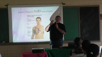 PALESTRAS EM BEZERROS - ESCOLA ESTADUAL EURICO QUEIROZ - SETEMBRO DE 2011