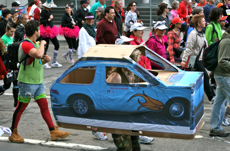 100th Bay to Breakers blue car