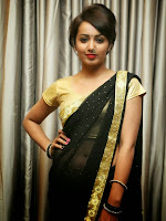 Tejaswi Glamorous Pics at Tasyaah Fashion Walk-cover-photo
