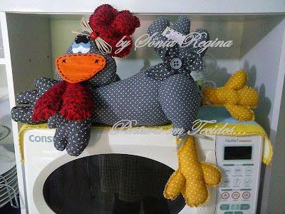 S nia regina pintura em tecidos e artesanatos galinha - Pintura para microondas ...