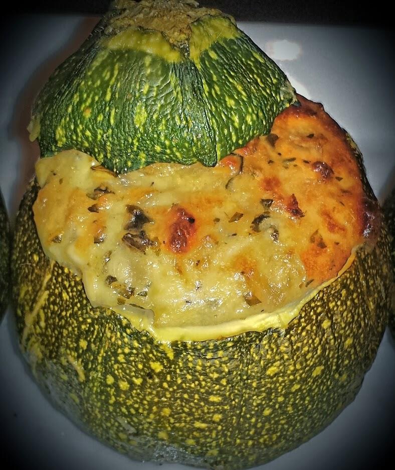La p 39 tite cuisine de val courgettes rondes farcies la feta - Cuisiner courgettes rondes ...
