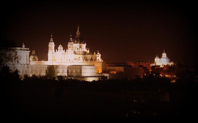 Vistas nocturnas desde el Templo de Debod