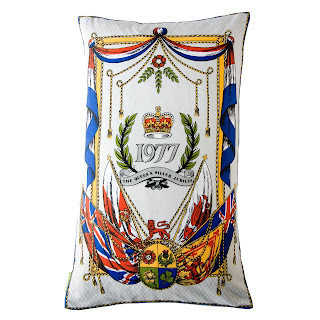 1977 jubilee pillow