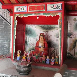 Altar dedicado a Kam Fa