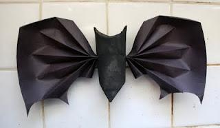 Reciclatex 3 Cuenta atrás para Halloween 2013, Murciélagos conlgantes con rollos de papel
