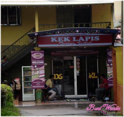 Kek Lapis Sarawak Sedap Dayang Salhah