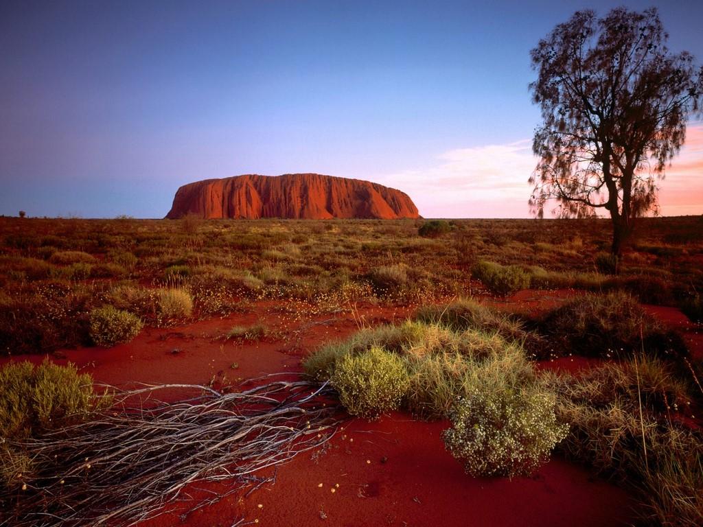 http://2.bp.blogspot.com/-1iwCQufb8ZI/T2x_-G8pMxI/AAAAAAAAAAc/v9ECR6AAVIc/s1600/ayers-rock-northern-territory-australia1.jpg