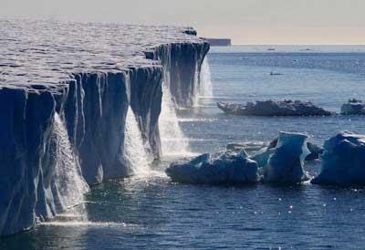 Air Terjun Glasier di Svalbard