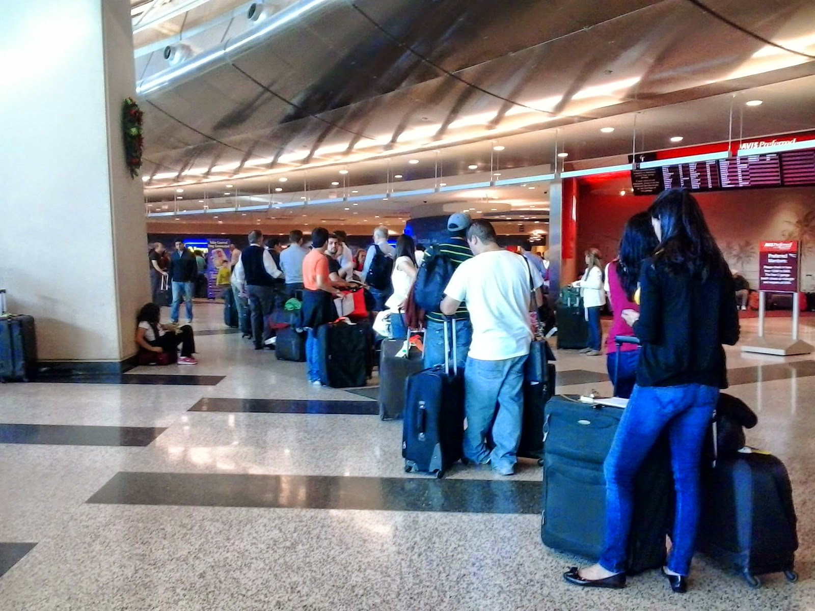 fila para aluguel de carro na alamo - aeroporto de miami