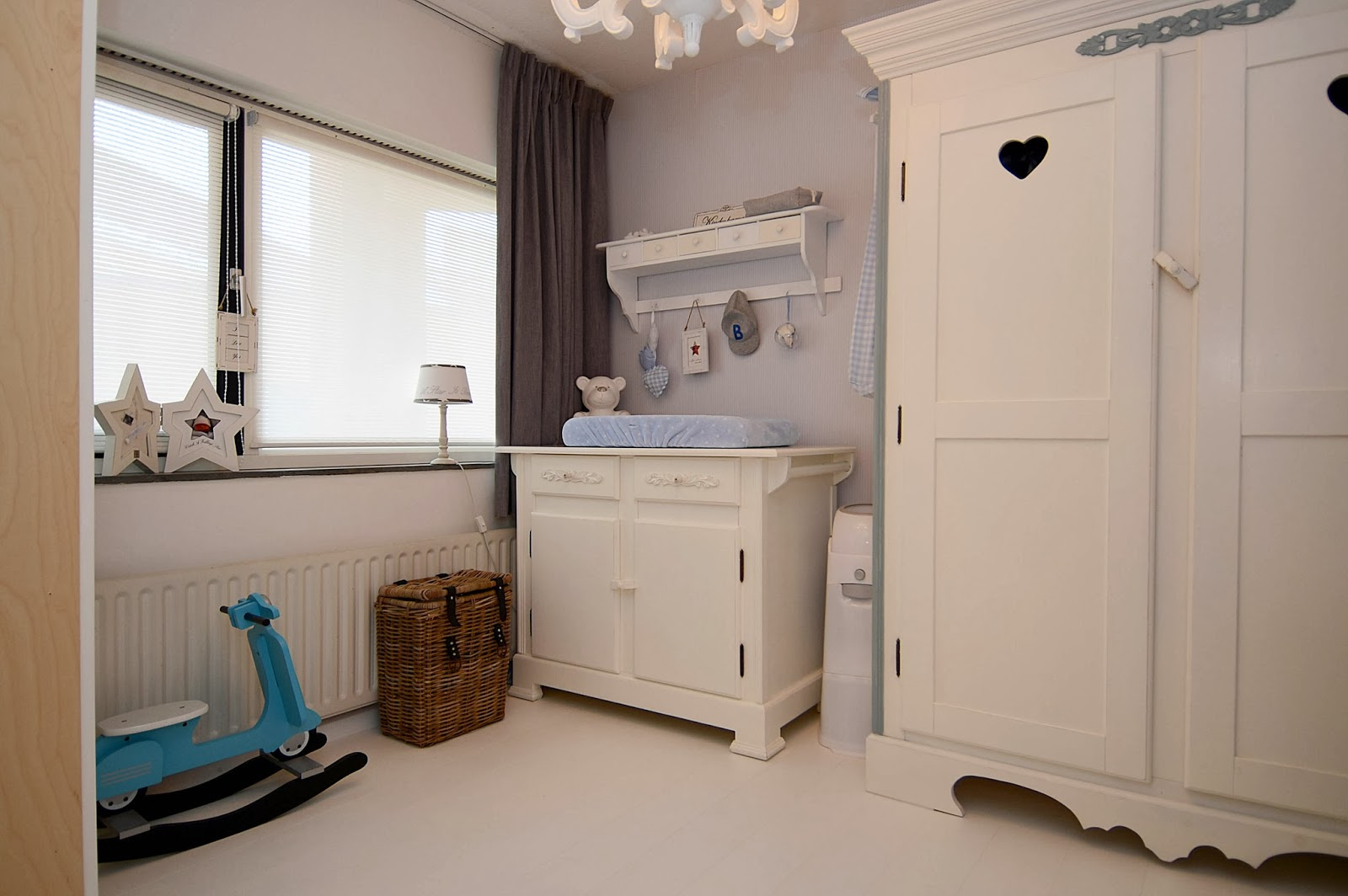 Old new pink and blue stoere jongenskamer - Foto slaapkamer baby jongen ...