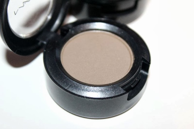 Two Multi-purpose Neutral MAC Eyeshadows to Try