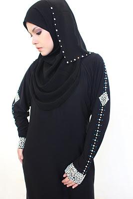 Flowy Cut Abaya Fashion Trend 2013 by Halaa Abayas wwwjoshpkcom 003 - Beautiful Abayas......DM3
