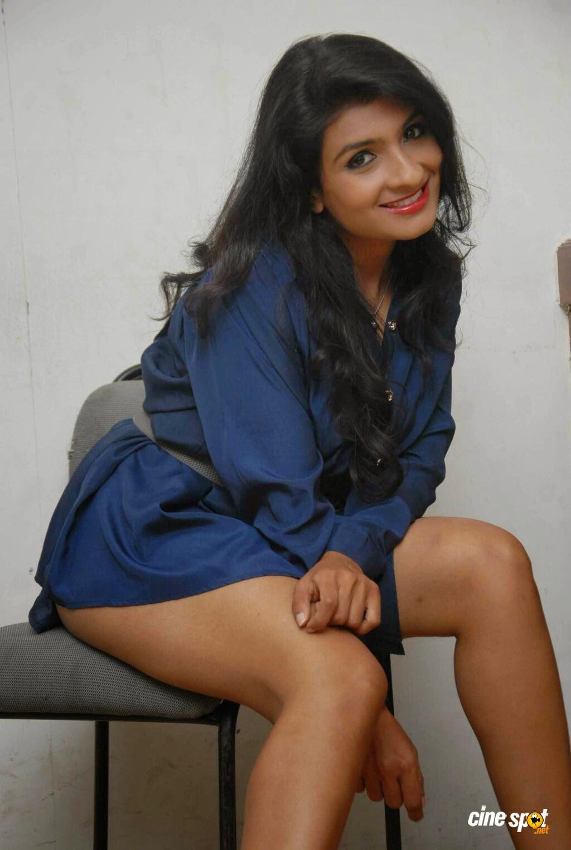 Roopa Shree legs hot