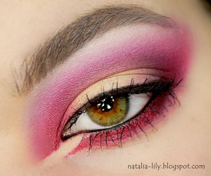 http://natalia-lily.blogspot.com/2014/02/makijaz-hot-in-love-czyli-cos.html