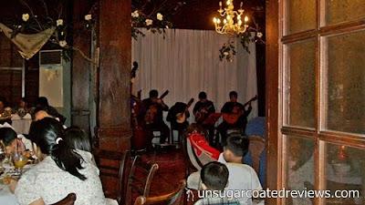 musicians at Barbara's Restaurant Intramuros