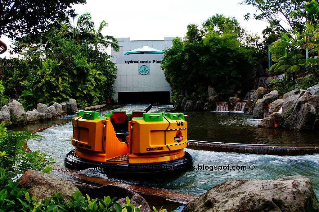 RamBLer WithOut BorDers * }: Universal Studios Singapore
