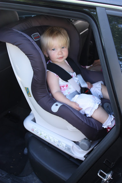 Britax MAX-FIX rear-facing car seat installed