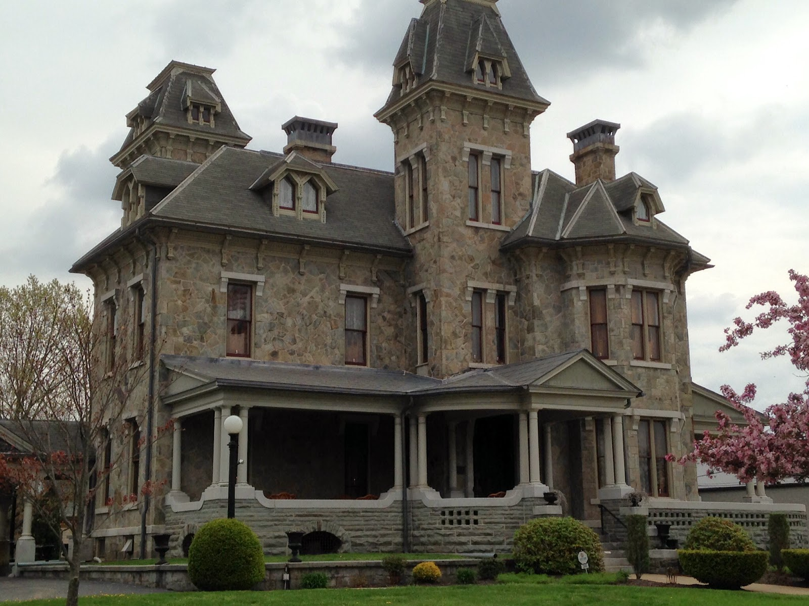 Sweet meanderings the jackson mansion in berwick - Mansion victoriana ...