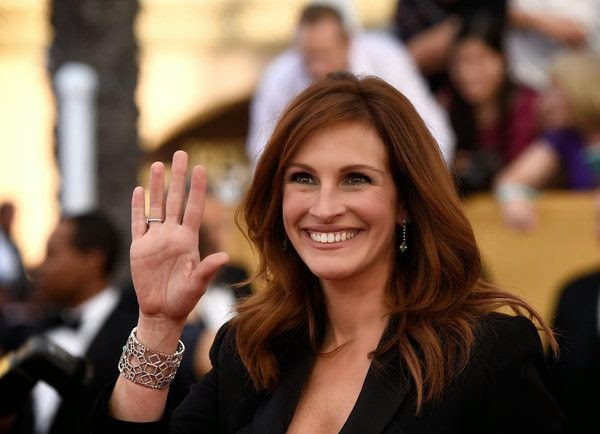 When the look had a retro vibe, I though the star totally owned it.  Leave it to Julia Roberts tokeep us on our toes and the red carpet of the Screen Actors Guild (SAG) Awards at Los Angeles on Sunday, January 25, 2015, has proven as a right destination.