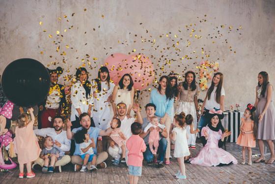 imagen_fiesta_cumpleaños_confeti_globos_casa_local