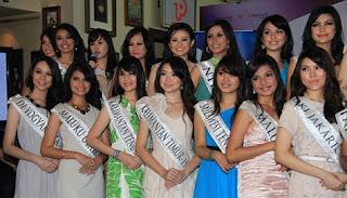 Ines Putri Tjiptadi Chandra Miss Indonesia 2012