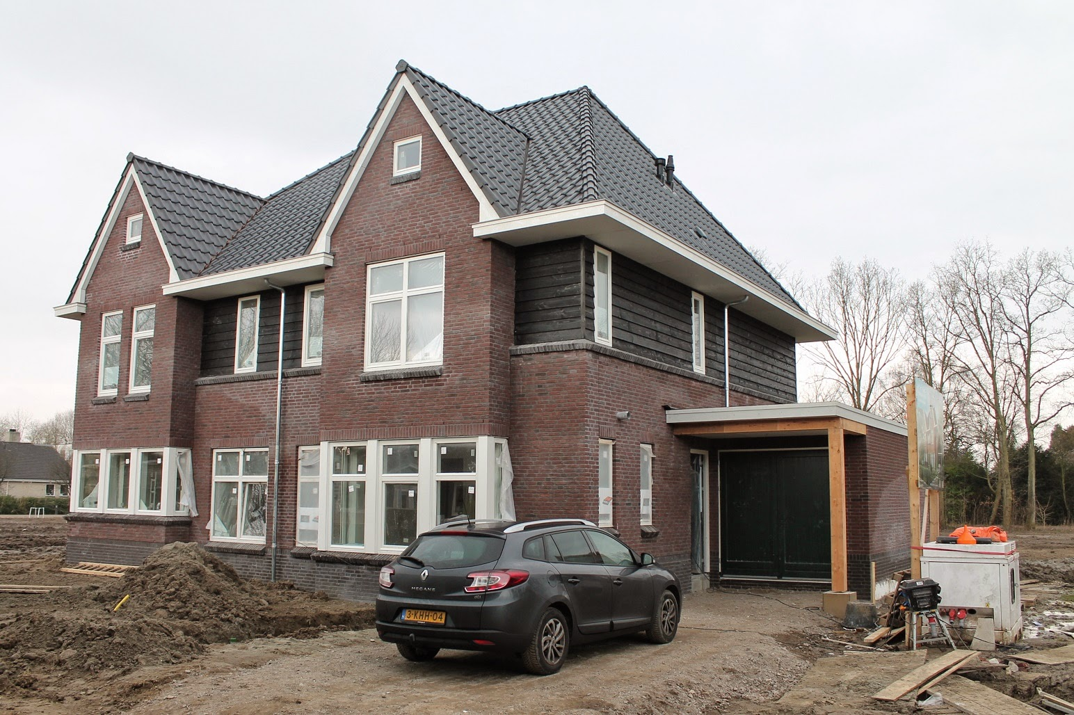Helen marc & olivia bouwen een huis: stroom?