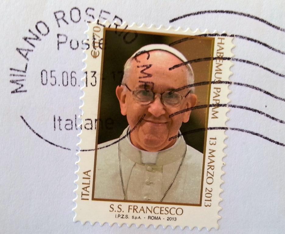 francobollo su papa Francesco